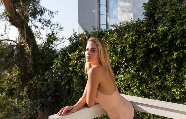 Picture garden, figure, dress, actress, hairstyle, blonde, photographer, the parapet, Margot Robbie, Margot Robbie, The New …