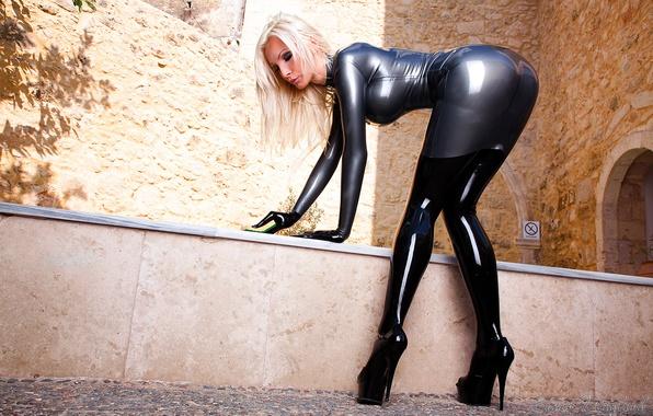 Picture ass, blonde, sponge, costume, latex, studs, ass, ass, Susan Wayland, blonde, butt, suit, bent, latex, …