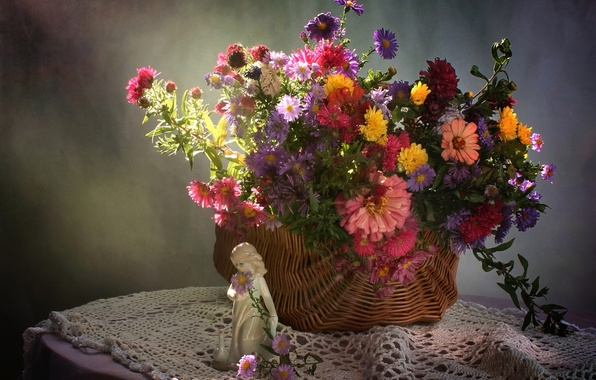 Picture basket, bouquet, girl, figurine, very, asters, zinnia