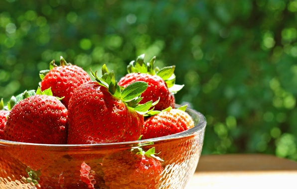 Picture berries, strawberry, red, bowl, fresh, ripe, strawberry, berries