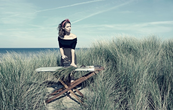 Picture girl, iron, on the shore, Ironing, Beach Grass