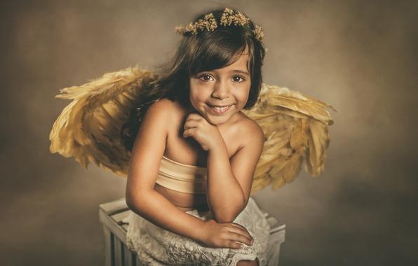 Picture look, smile, mood, wings, angel, girl, wreath
