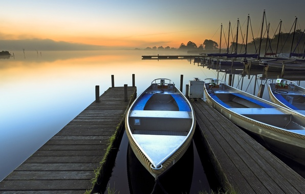 Picture fog, lake, dawn, boat
