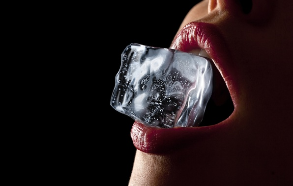 Picture sexy, lips, teeth, ice bucket