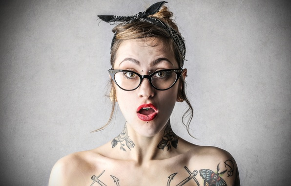 Picture look, tattoos, astonished woman