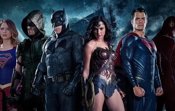 Picture batman, superman, supergirl, wonder woman, flash, Justice League, green arrow