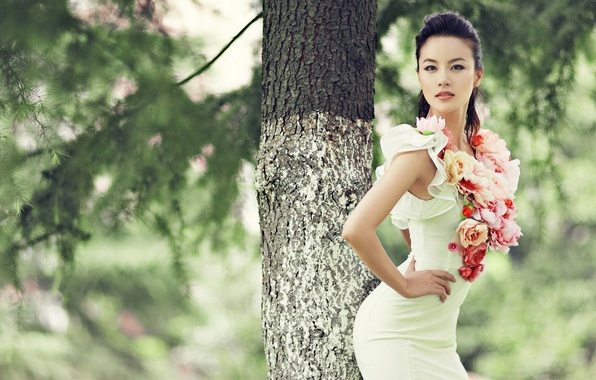 Picture ass, look, trees, face, pose, Park, white, Girl, figure, slim, dress, Asian, beautiful, waist, cute