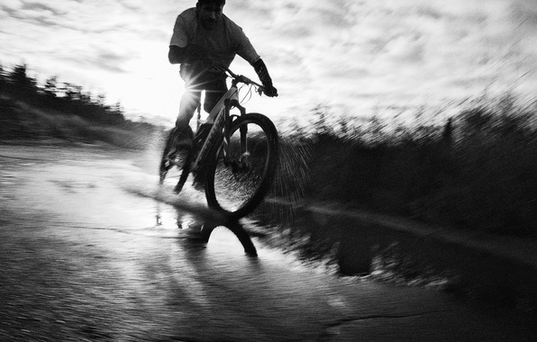 Picture road, water, squirt, bike, sport, speed, photographer, actor, black and white, Nikolaj Coster-Waldau, Nikolaj Coster-Waldau, …
