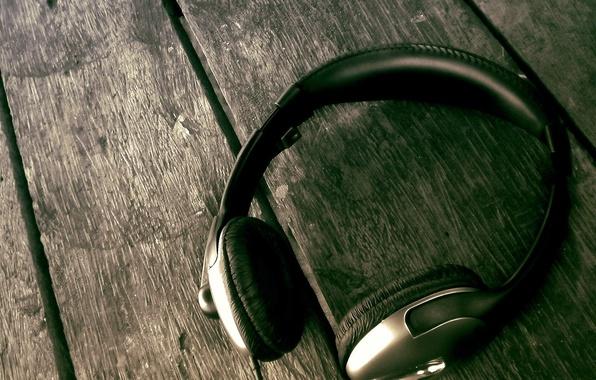 Picture Board, headphones