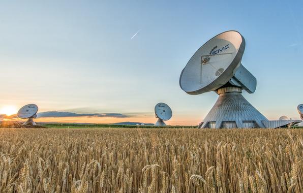 Picture technology, communication, antenna, Parabolic