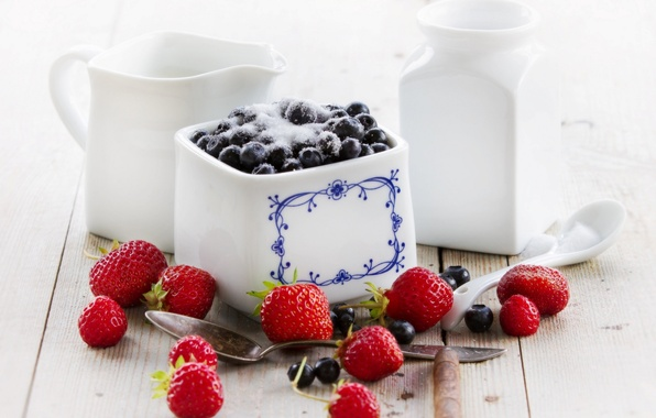 Picture berries, blueberries, strawberry, dishes, sugar, white, spoon