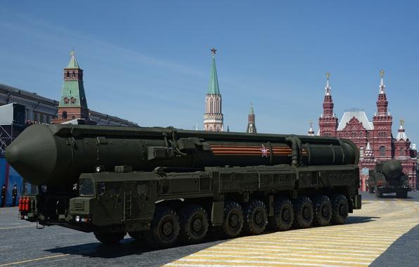 """Picture red square, rocket, complex, purpose, strategic, """"Topol"""""""