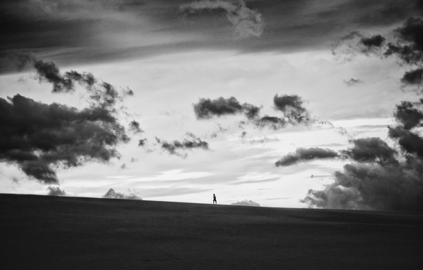 Picture field, the sky, people