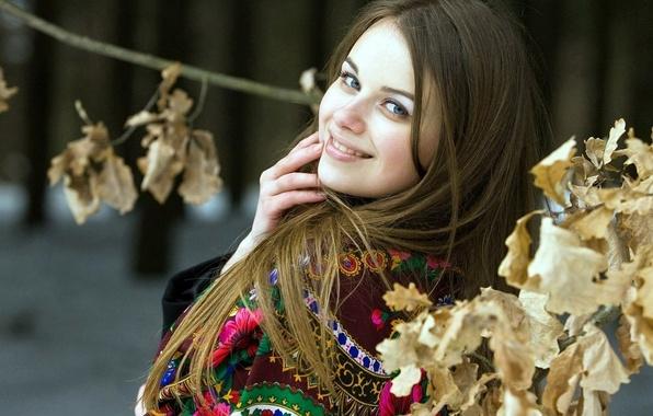 Picture winter, smile, foliage, shawl, Russian, brown hair, Slavyanka