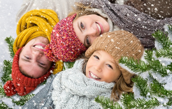 Picture winter, snow, branches, smile, holiday, new year, spruce, family
