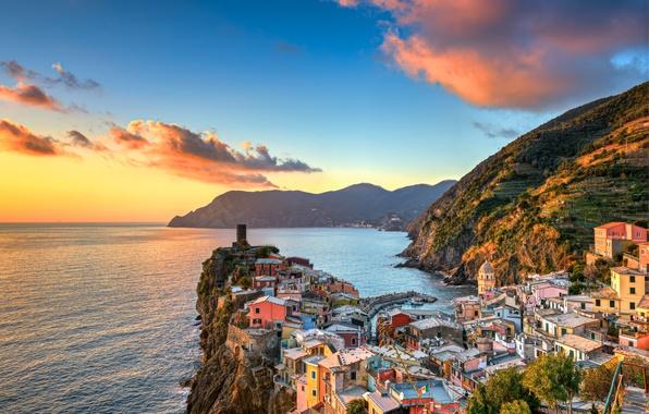 Picture sea, sunset, mountains, coast, building, Italy, Italy, The Ligurian sea, Vernazza, Vernazza, Cinque Terre, Cinque ...