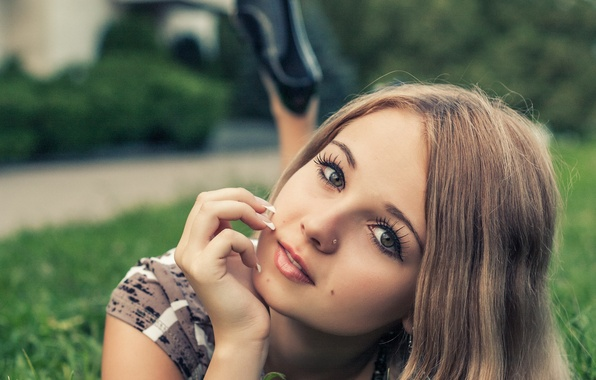 Picture summer, grass, look, girl, face, eyelashes, smile, sweetheart, model, beauty, lies, beautiful, cute, Rus, Jeff …