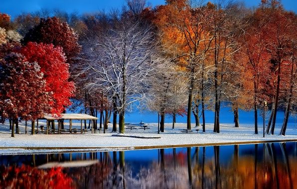 Picture snow, gazebo, water surface, late autumn, Parkland