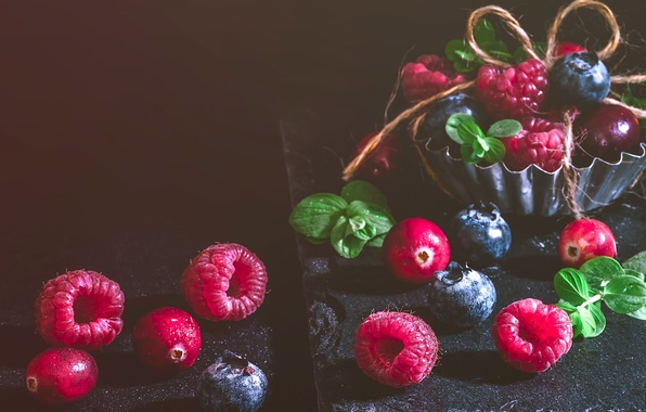 Picture berries, raspberry, blueberries, cranberry