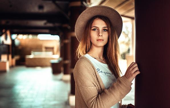 Picture hat, the beauty, Valery Gorbatov