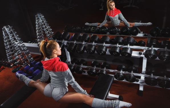 Picture girl, reflection, sport, mirror, twine, stretching, the gym, dumbbells