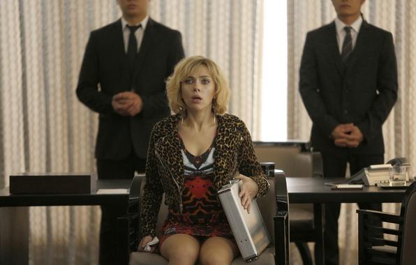 Picture fright, Scarlett Johansson, tears, blonde, Scarlett Johansson, Lucy, mafia, case, Lucy