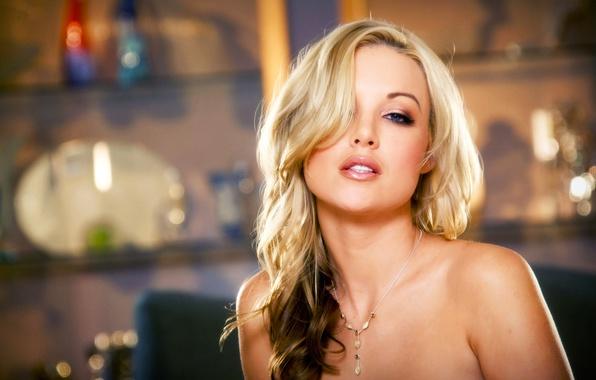 Picture Girl, Blonde, Model, Room, Feet, Erotic, Kayden Kross, Beauty, Sexy, Figure, Sitting, Posing