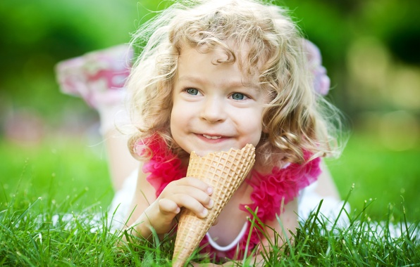 Picture grass, joy, nature, ice cream, girl, horn, curls, child