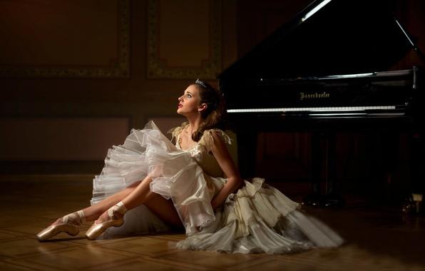 Picture piano, ballerina, Pointe shoes, Evelina Godunova