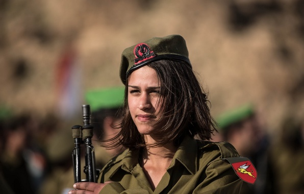 Picture girl, weapons, soldiers, Israel Defense Forces