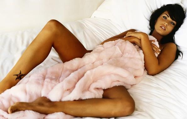 Picture tan, Bed, blanket, Megan, Fox, Fox, Megan