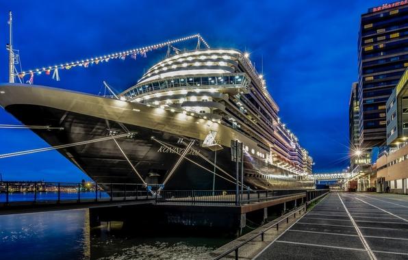 Picture Amsterdam, Night, Cruise Ship