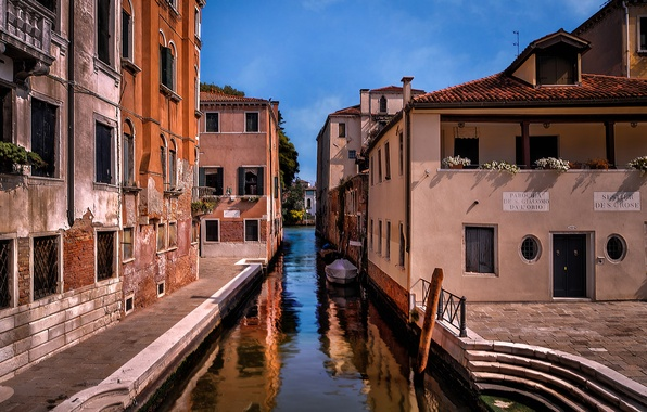 Picture the sky, boat, home, morning, Italy, Venice, channel, stage, the sidewalk