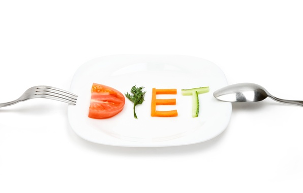 Picture cucumber, plate, spoon, plug, vegetables, tomato, carrots, diet