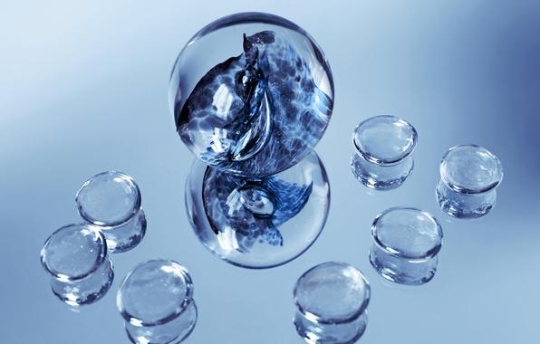 Picture glass, balls, stones, fiction, mirror