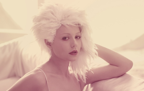 Picture girl, face, pink, star, feathers, singer, Tina Karol, pop music, white wig