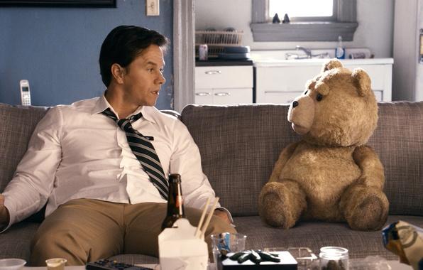 Picture sofa, bear, Mark Wahlberg, Mark Wahlberg, Ted, The third wheel, John Bennett
