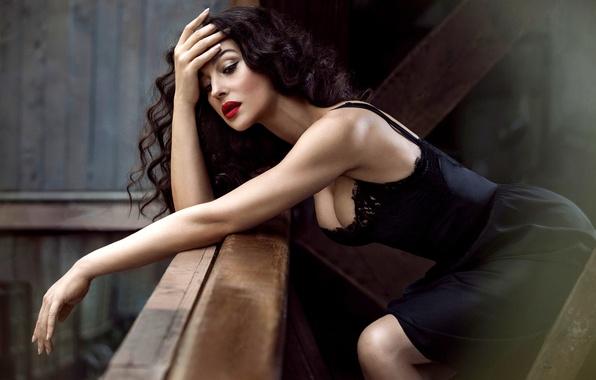 Picture chest, face, model, hair, makeup, figure, dress, actress, brunette, black, Monica Bellucci, Monica Bellucci, curls