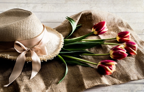 Photo wallpaper hat, buds, tulips