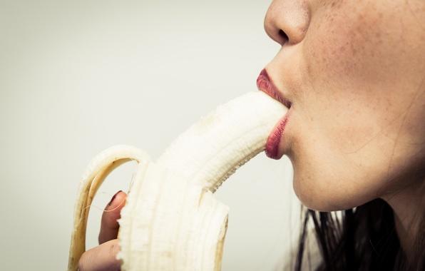 Picture fruit, lips, banana