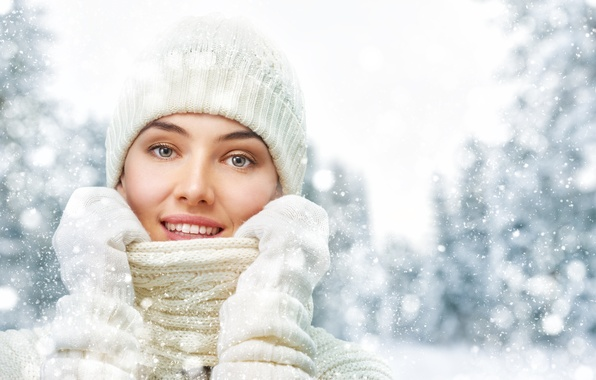 Picture winter, girl, snow, trees, snowflakes, glare, hat, beauty, collar, in white, sweater, bokeh, gloves