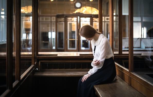 Picture girl, bench, longing, Sandra Plajzer