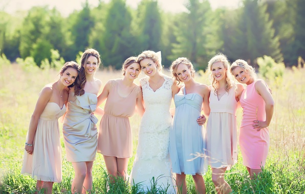 Picture joy, the bride, smile, wedding, girlfriend, Sunshine Sisters, seven girls