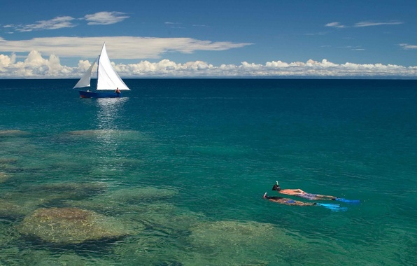 Picture sea, the sky, clouds, people, stay, boat, vacation, yacht, sail, diving