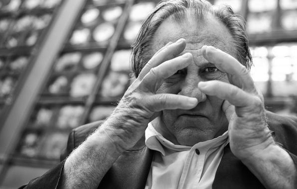 Picture look, portrait, hands, black and white, monochrome, Gerard Depardieu, Gérard Depardieu