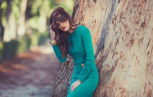 Picture girl, pose, tree, dress, bracelets