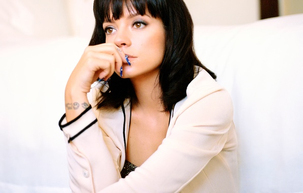 Picture Lily Allen, songwriter, English singer