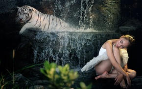 Picture girl, tiger, background
