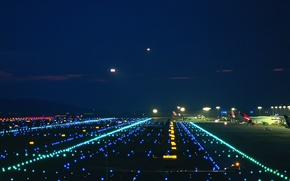 Picture Lights, Runway, Airport
