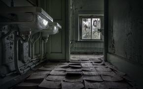 Picture window, floor, sinks